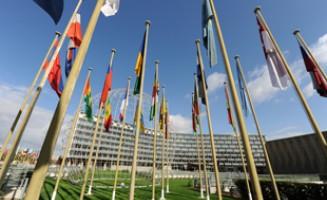 Flaggor utanför Unesco i Paris. Officiell bild