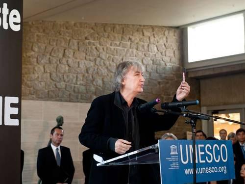 Den franska tecknaren Plantu på Unescos evenemang om yttrandefrihet och journalisters säkerhet © UNESCO/Fabrice Gentile