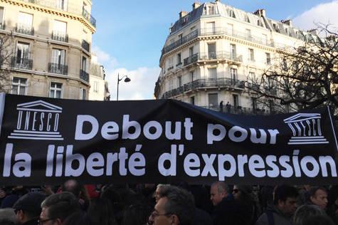 Unesco vid demonstrationerna för yttrandefrihet i Paris efter terroristattackerna som tog 17 personers liv.  Foto: Unesco/Jeff Lee.