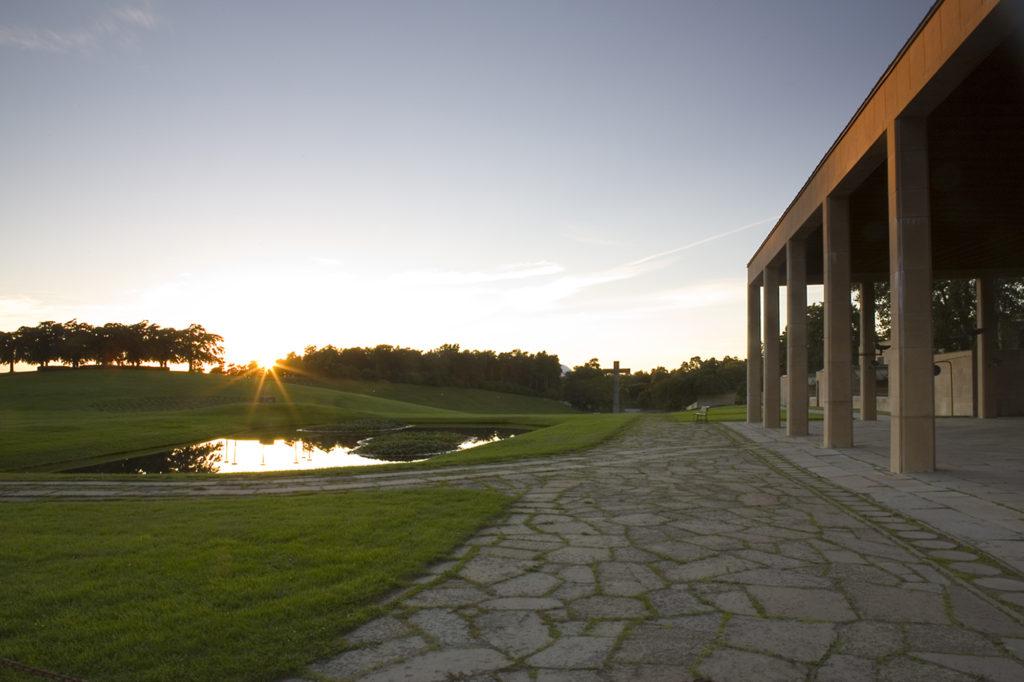 Bild från Unescos världsarv Skogskyrkogården.