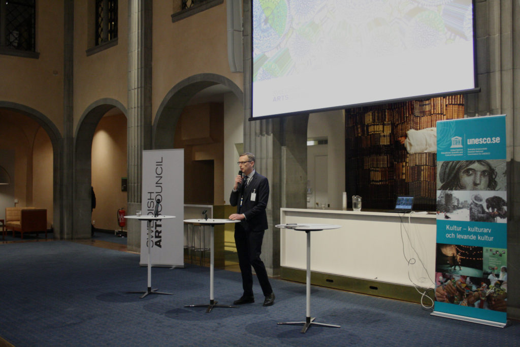 Mats Djurberg pratar