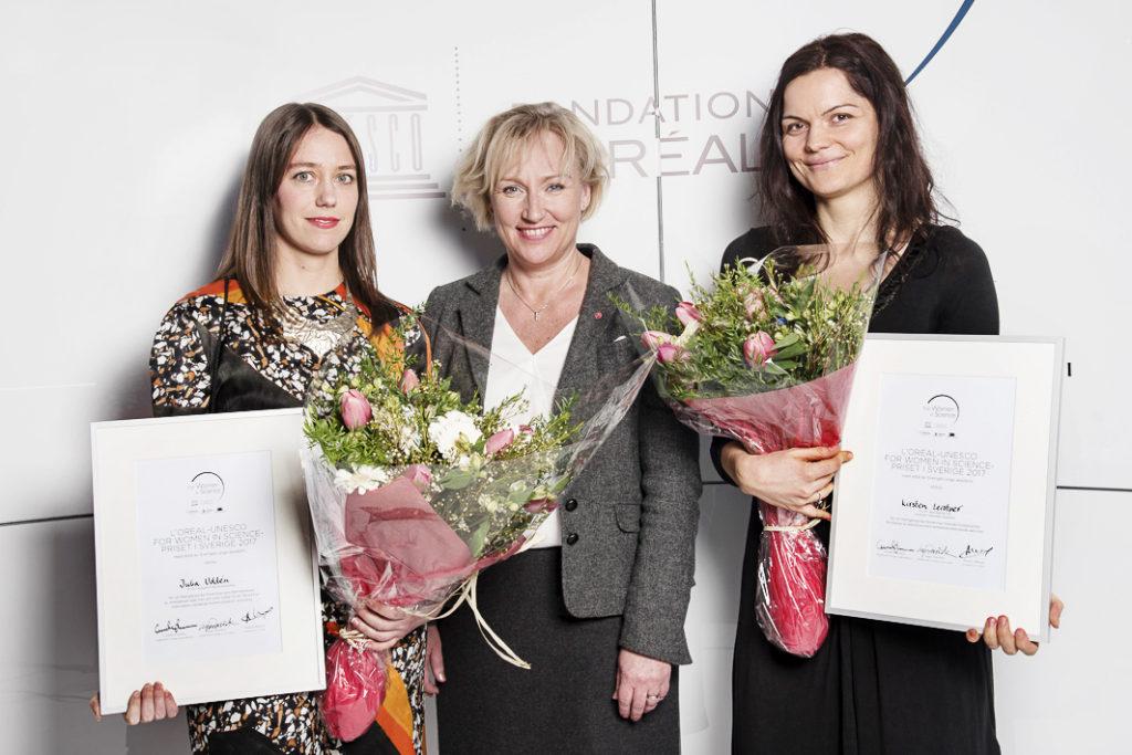 Årets pristagare tillsammans med Helene Hellmark Knutsson, minister för högre utbildning och forskning