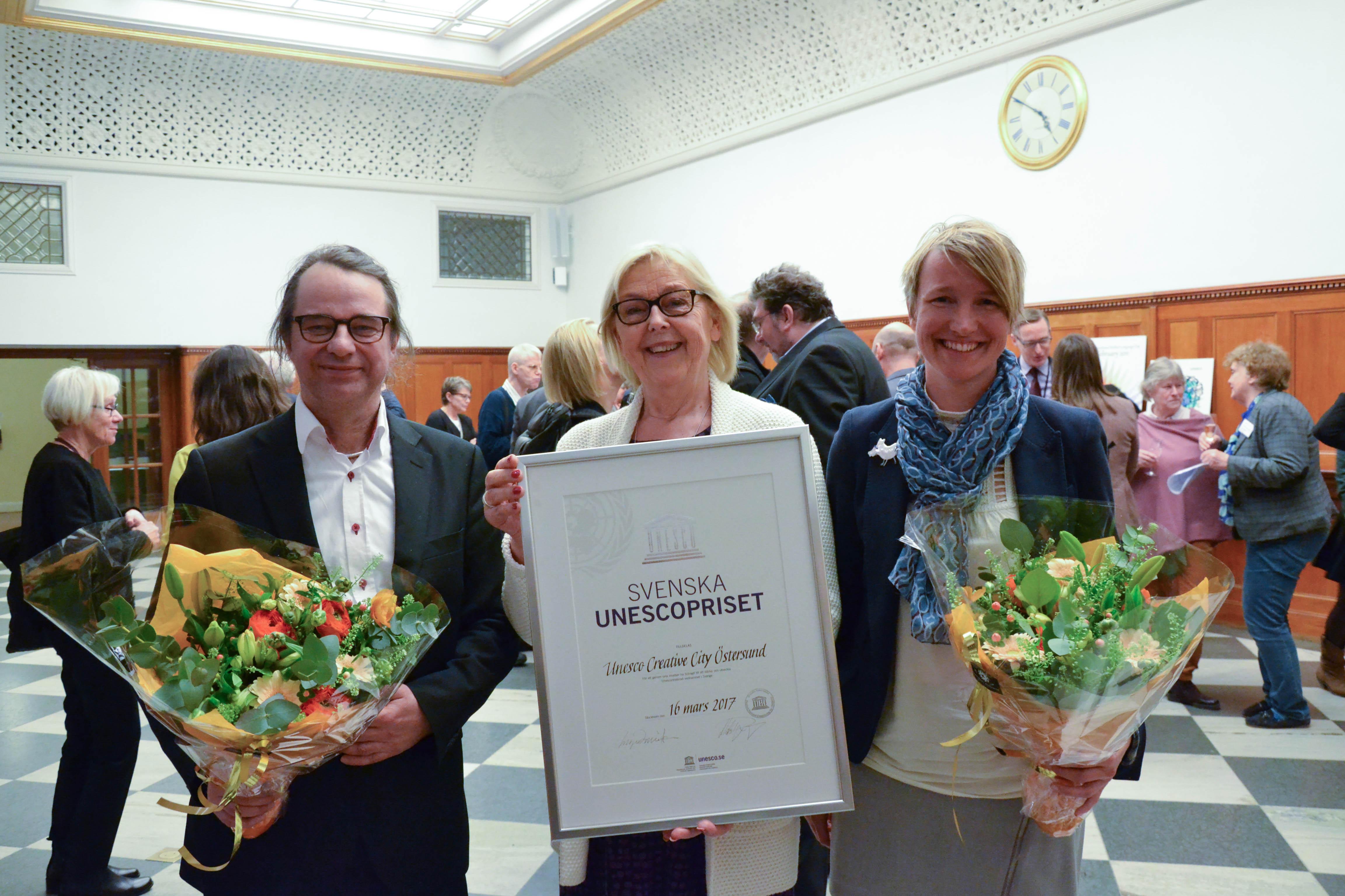 Dag Hartman, vår ordförande Inger Davidsson och Christina Hedin vid det årliga mötet för Unesco-Sverige