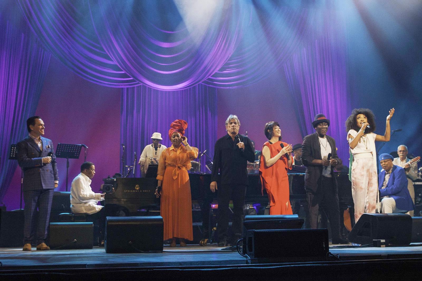 Artister på scenen under firandet av Unescos Jazzdag i Havanna.