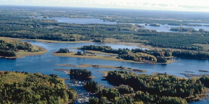 Flygbild över Biosfärområdet Älvlandskapet nedre Dalälven.